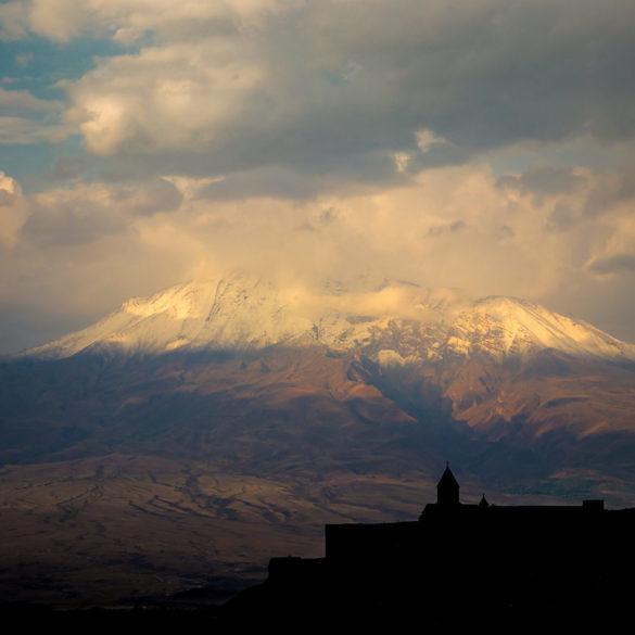 Klasztor Chor Wirap z widokiem na Ararat, Armenia