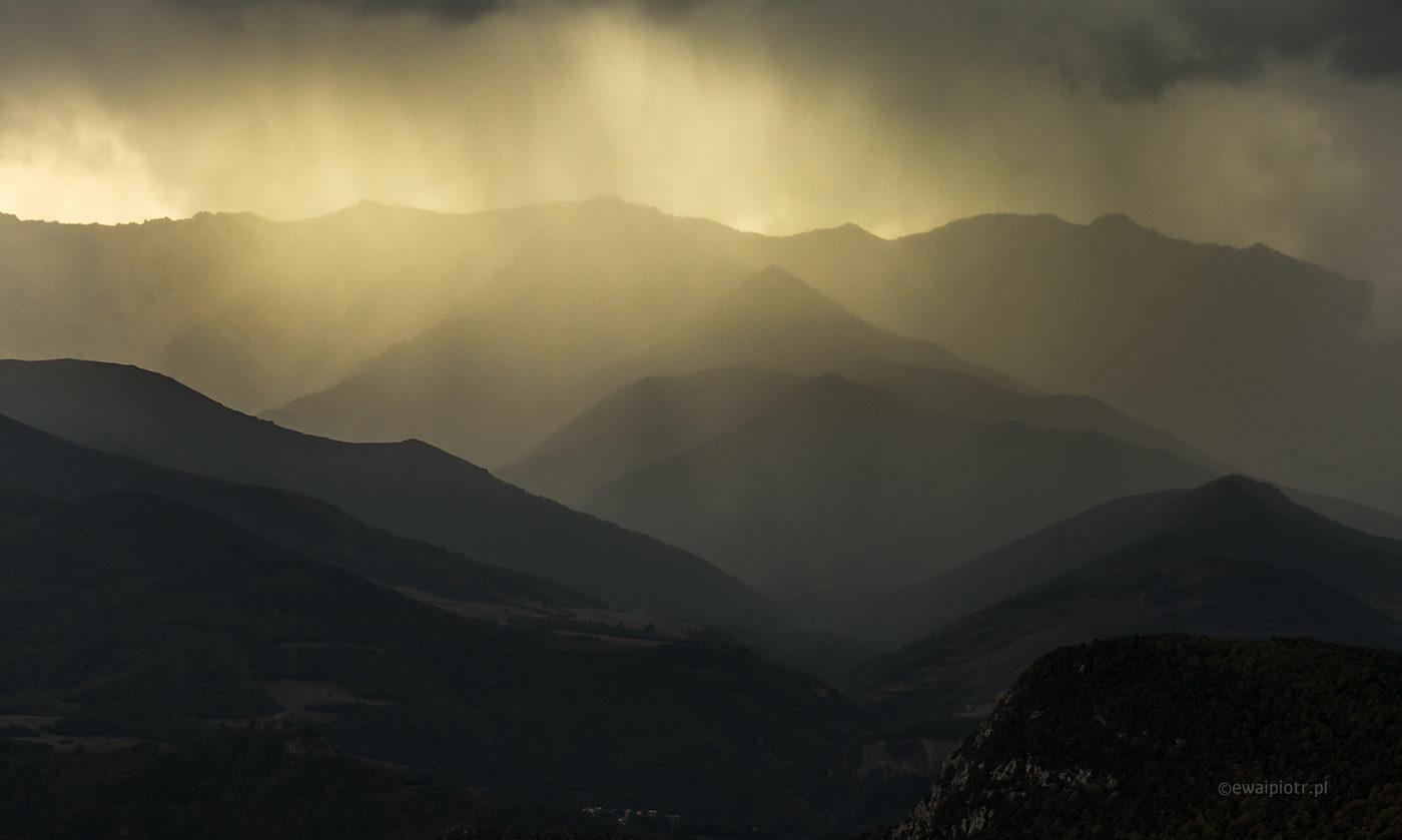 Góry w deszczu, Armenia