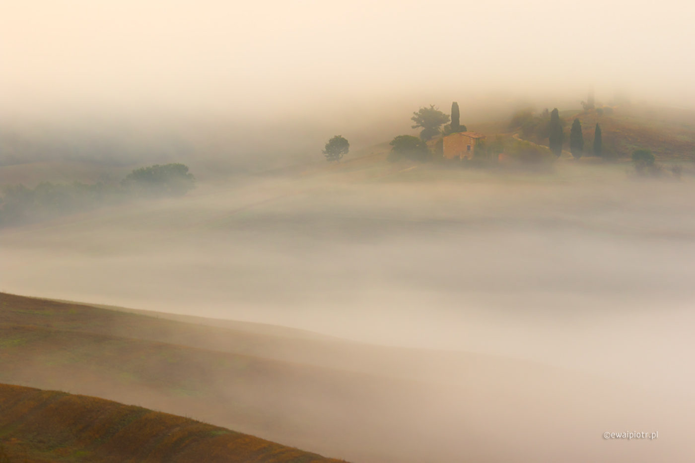 Fale mgieł, Toskania, fotowyprawa, poprawna ekspozycja