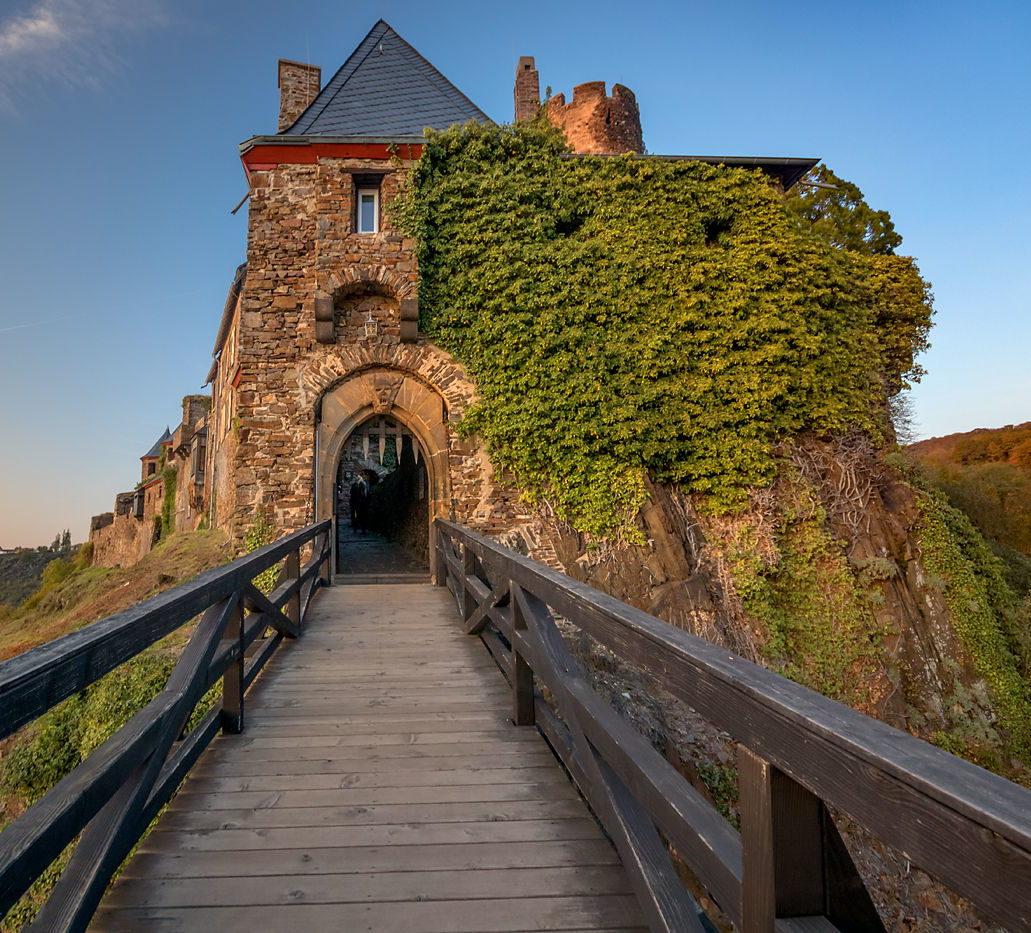 Zamek Thurant nad Mozelą, Złoto Renu