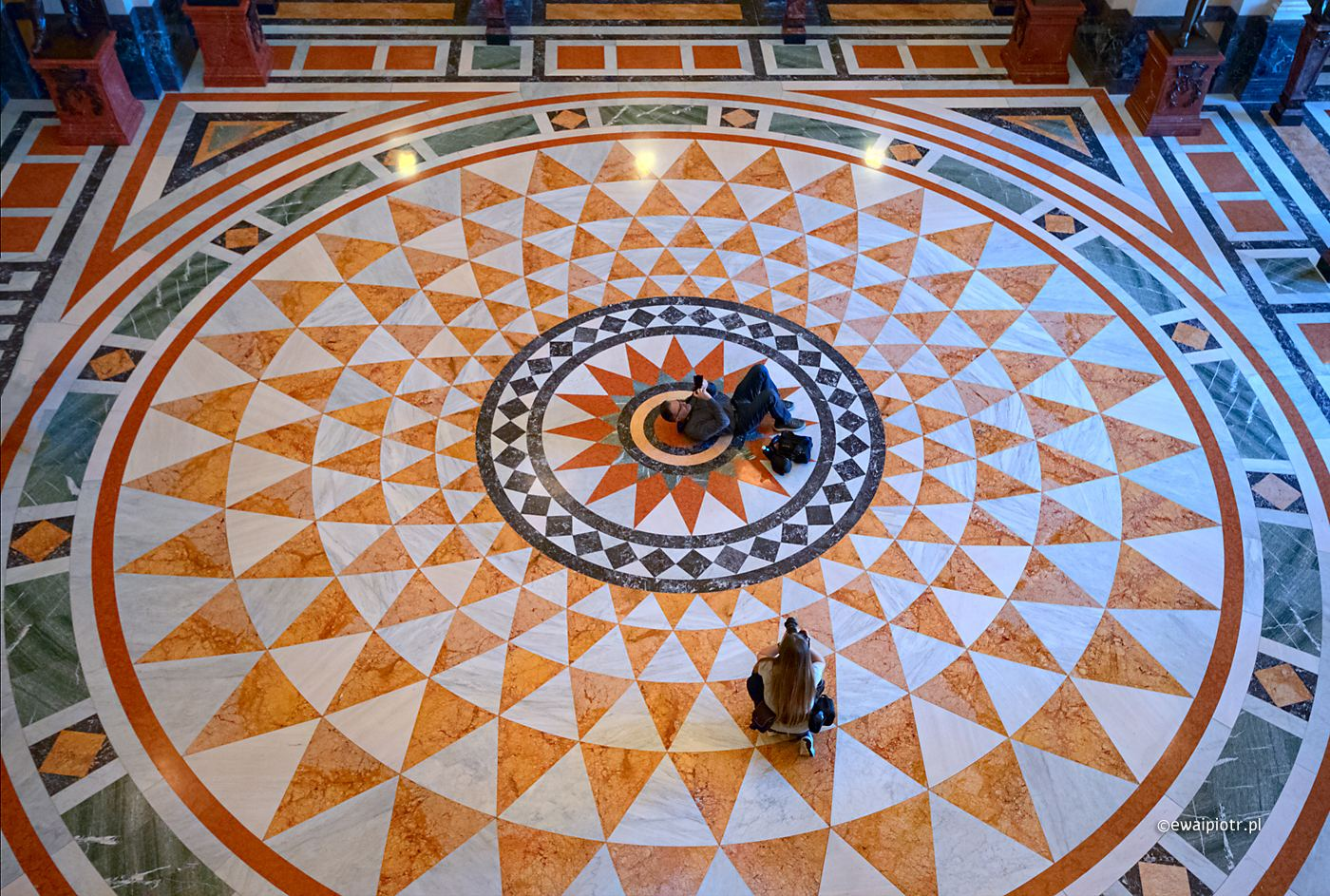 Pod kopułą Muzeum Narodowego, Praga