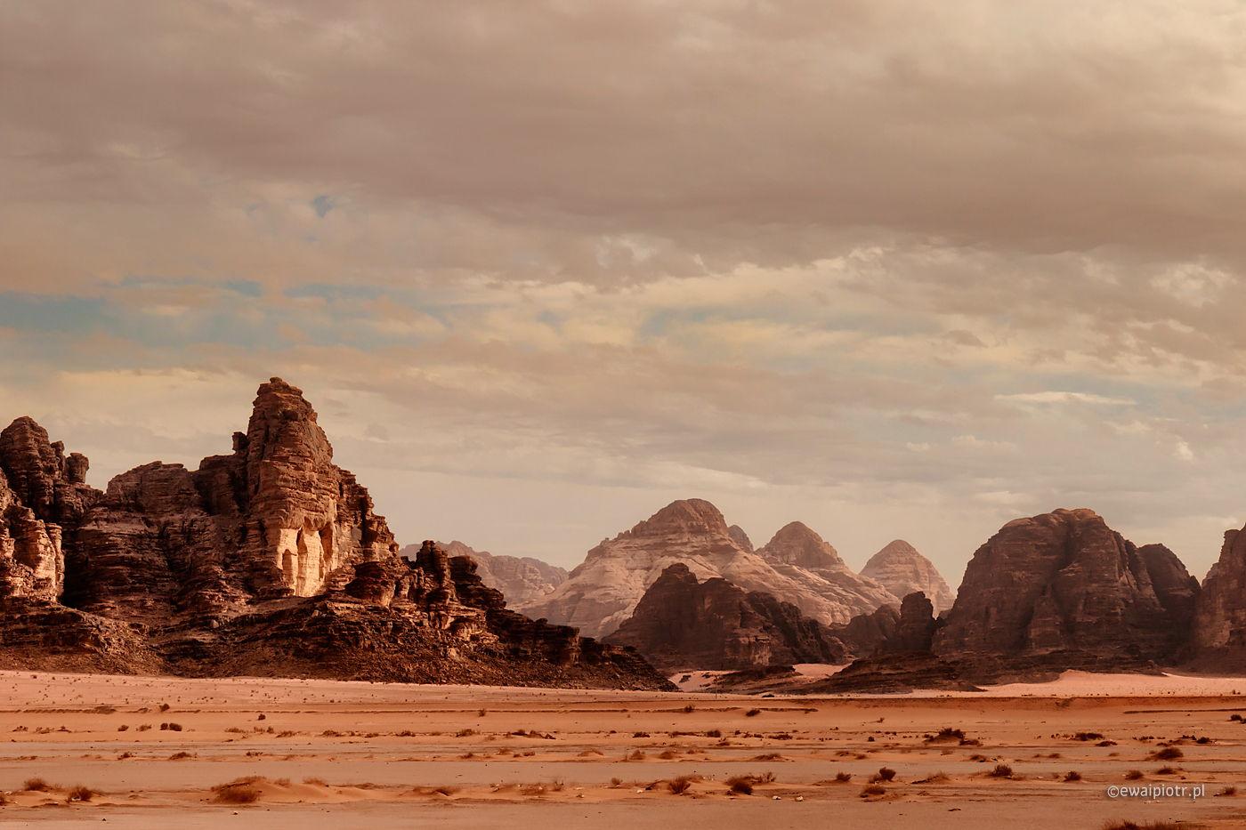 Skalne formacje Wadi Rum, Jordania, pustynia, warsztaty fotograficzne