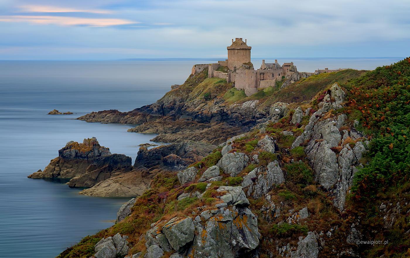 Fort Lalatte, Bretania, kiedy aktualizować oprogramowanie