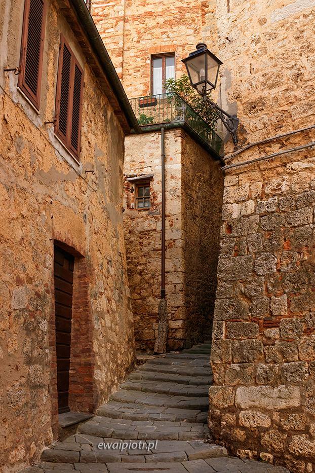 Zaułki Massa Maritima, Toskania