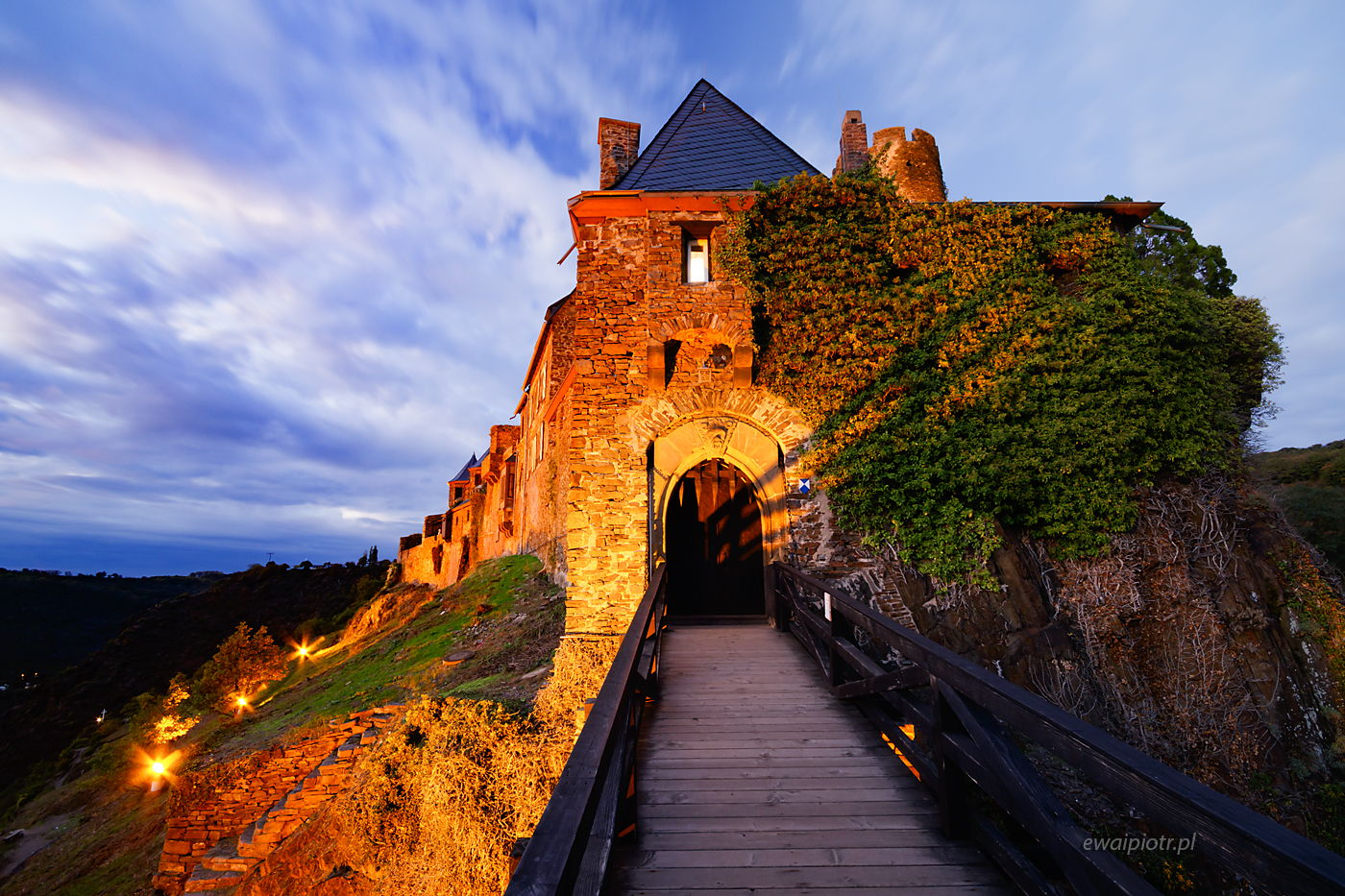 Zamek Thurant po zachodzie