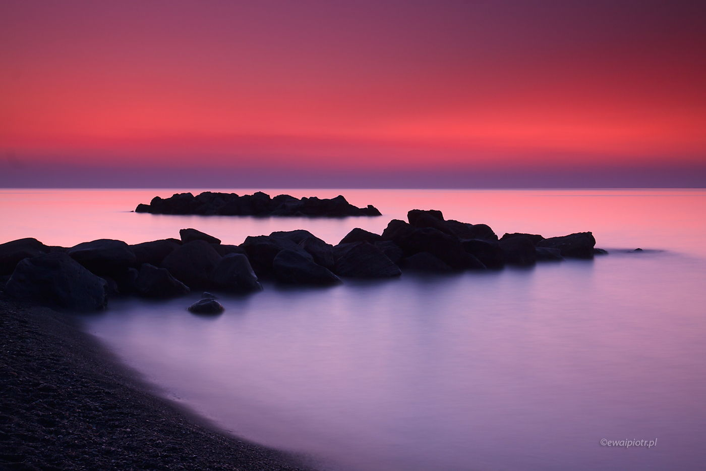 Czerwony poranek na Santorini, filtry połówkowe szare czy HDR