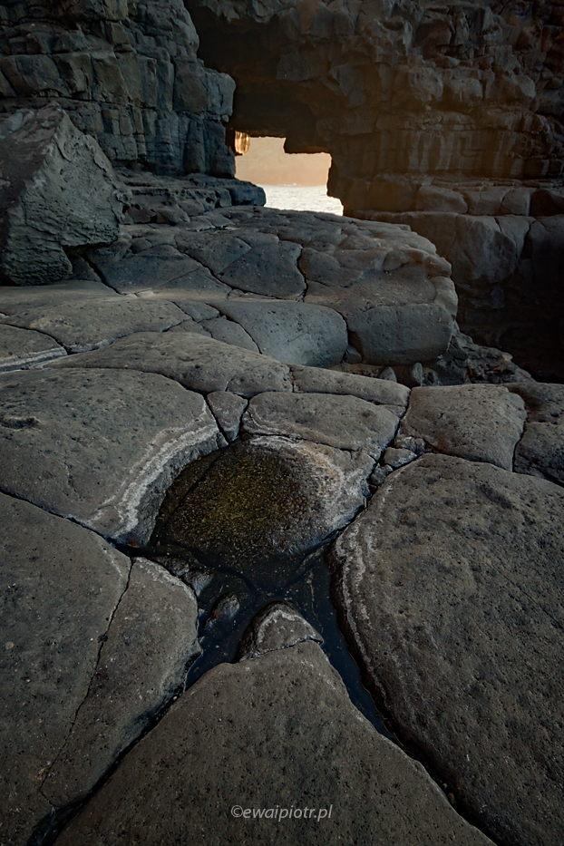 Prześwit w skałach, Wyspy Kanaryjskie