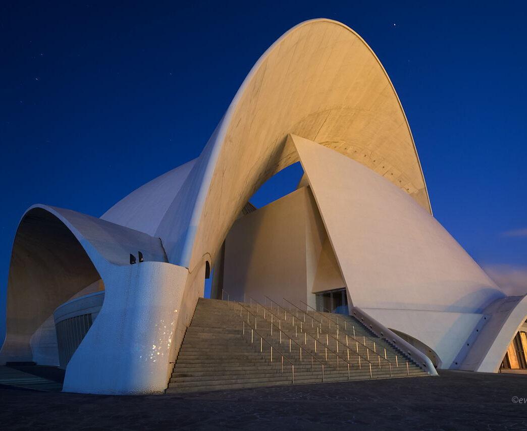 Auditorio de Tenerife, Wyspy Kanaryjskie, filharmonia w nocy, budynek przed świtem