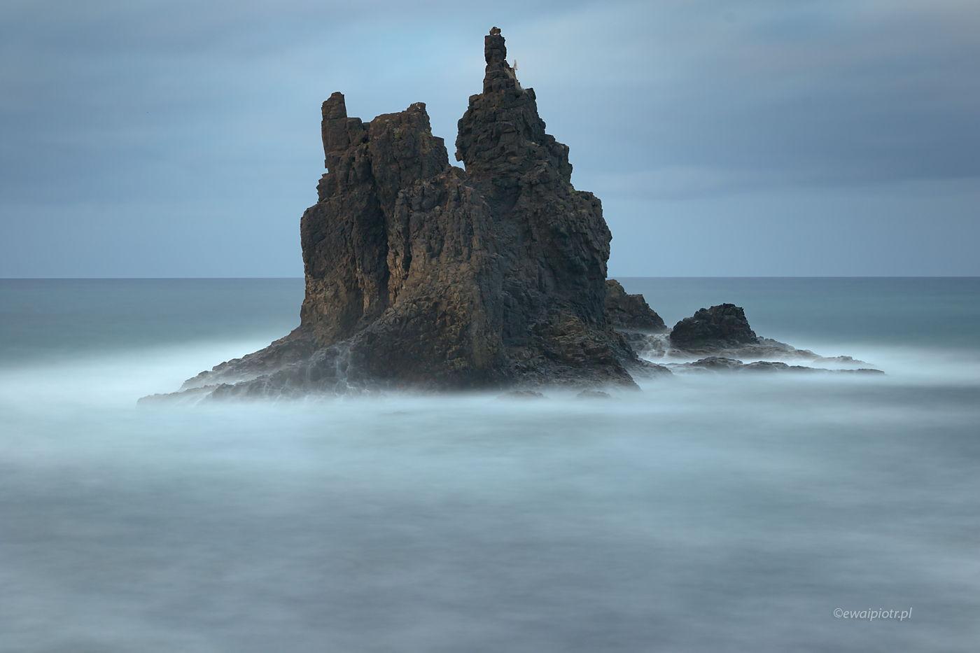 Zamek na wodzie, Teneryfa, Wyspy Kanaryjskie, samotna skała, długa ekspozycja, ocean, Atlantyk