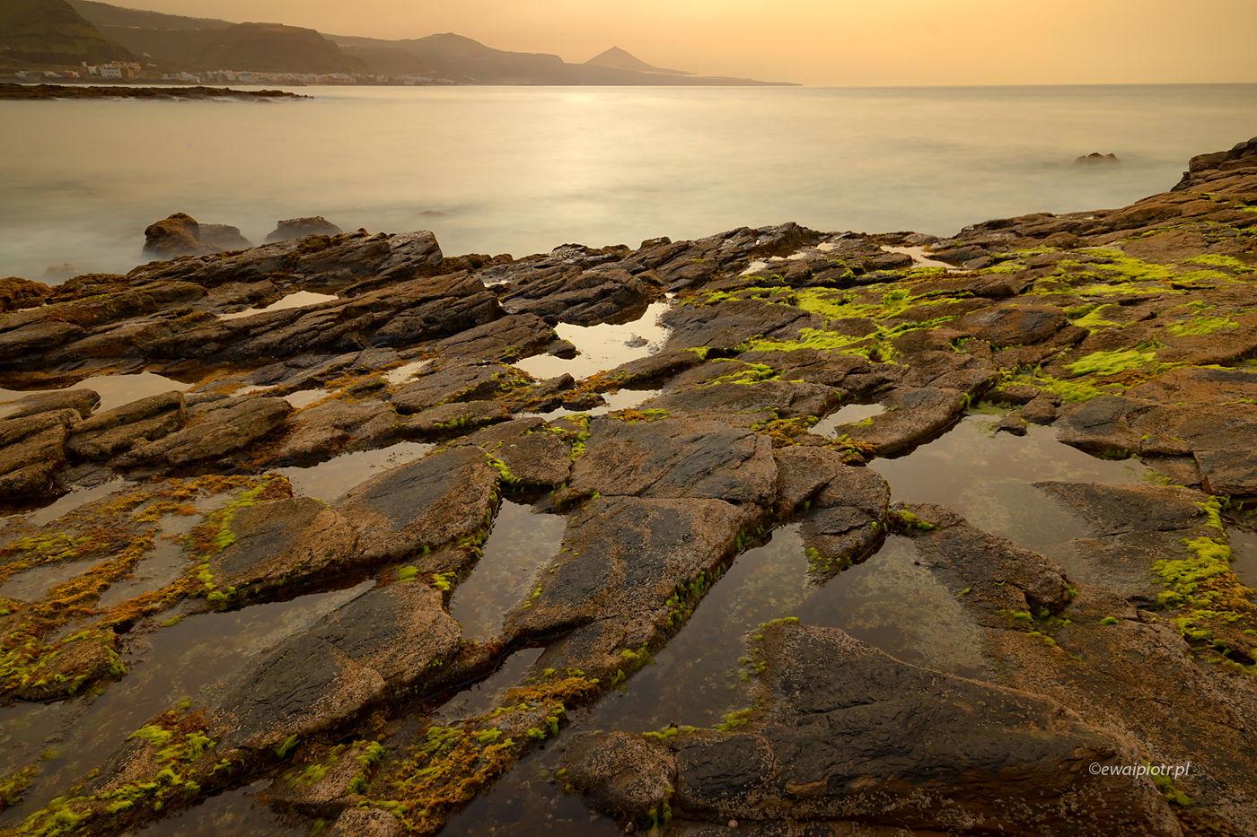Skały, morze i zachód słońca, Wyspy Kanaryjskie, ćwiczenia z kompozycji