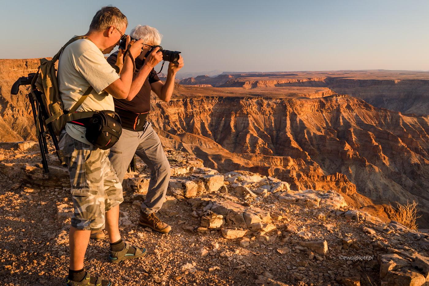 Fotowyprawowicze nad Kanionem Rzeki Rybnej, Namibia