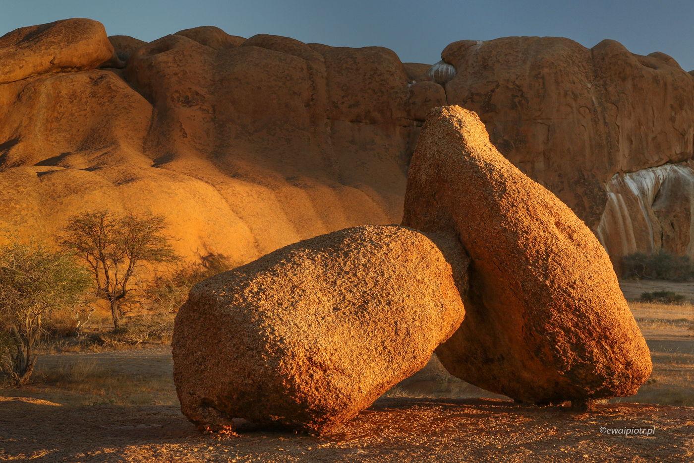 Głazy pod Spitzkoppe, Namibia
