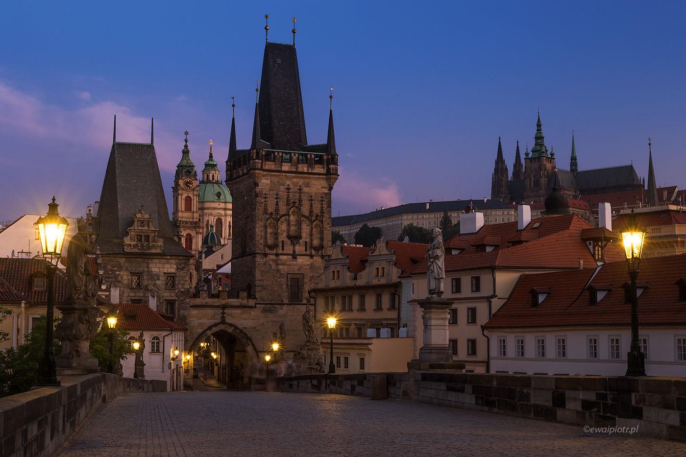 Most Karola o wschodzie, Praga