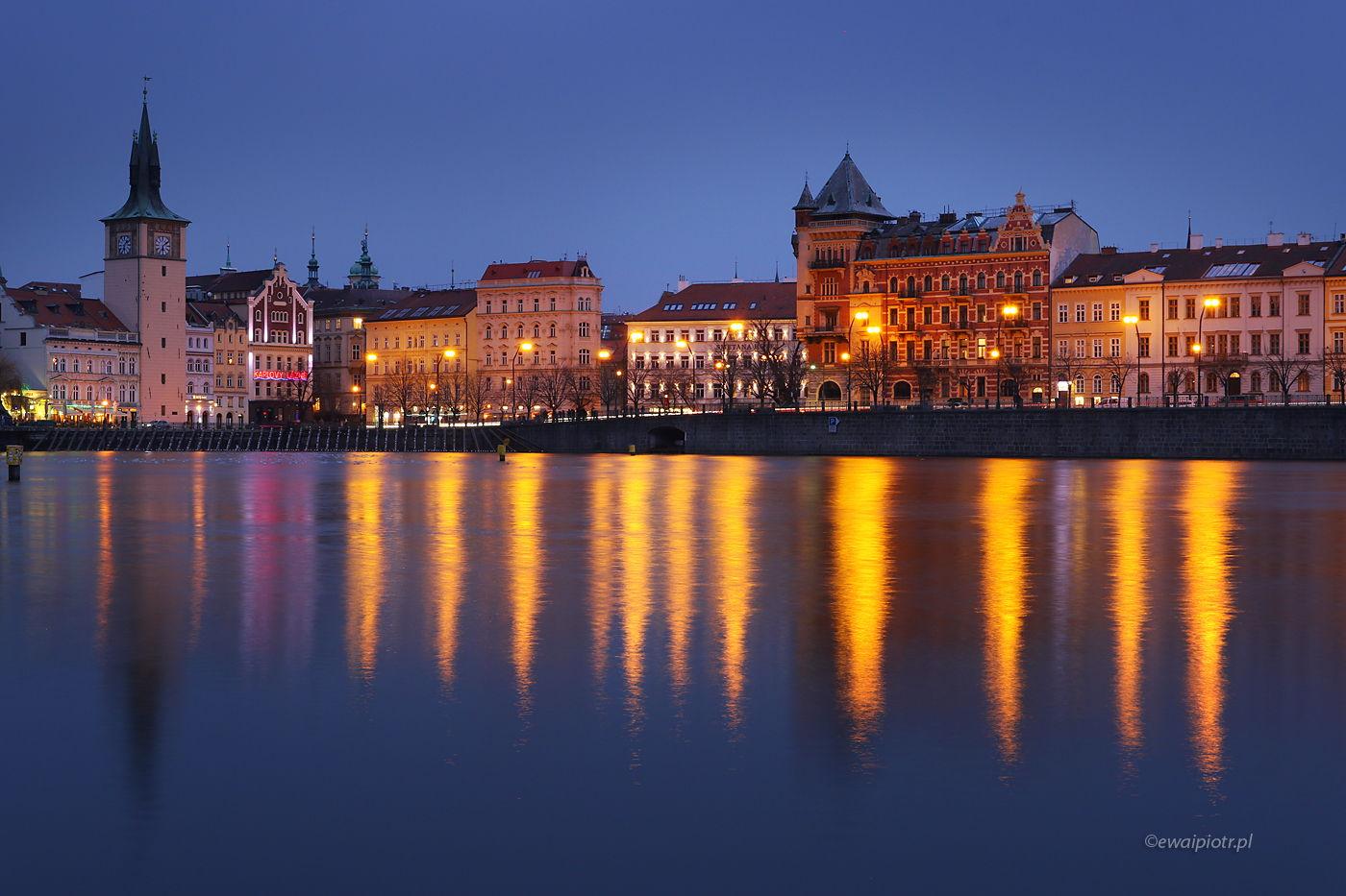 Praga wieczorową porą