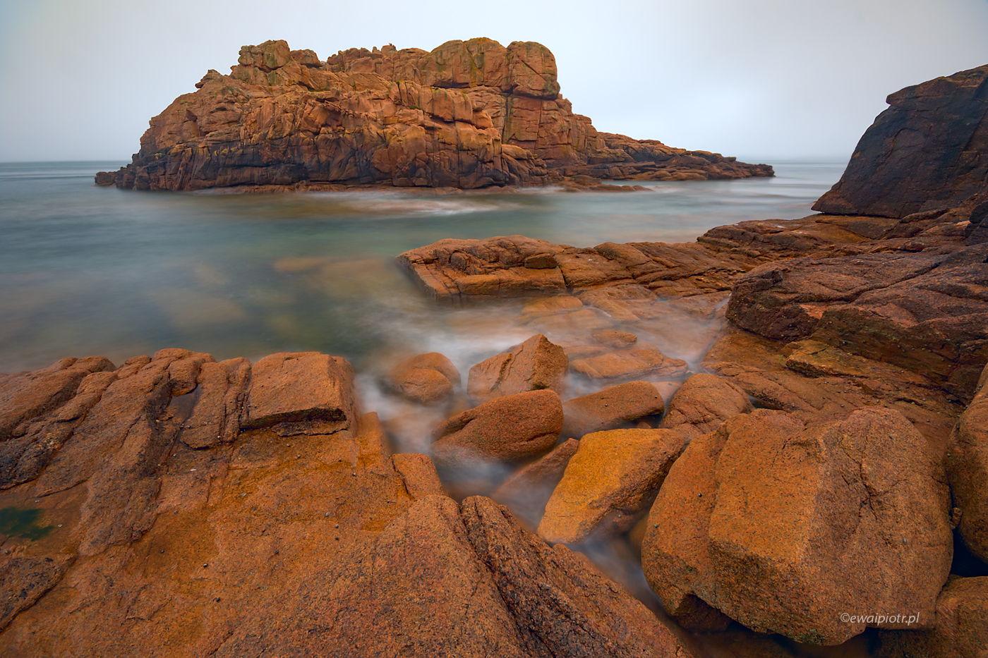 Skały i wyspa, Bretania, jak nauczyć się fotografować