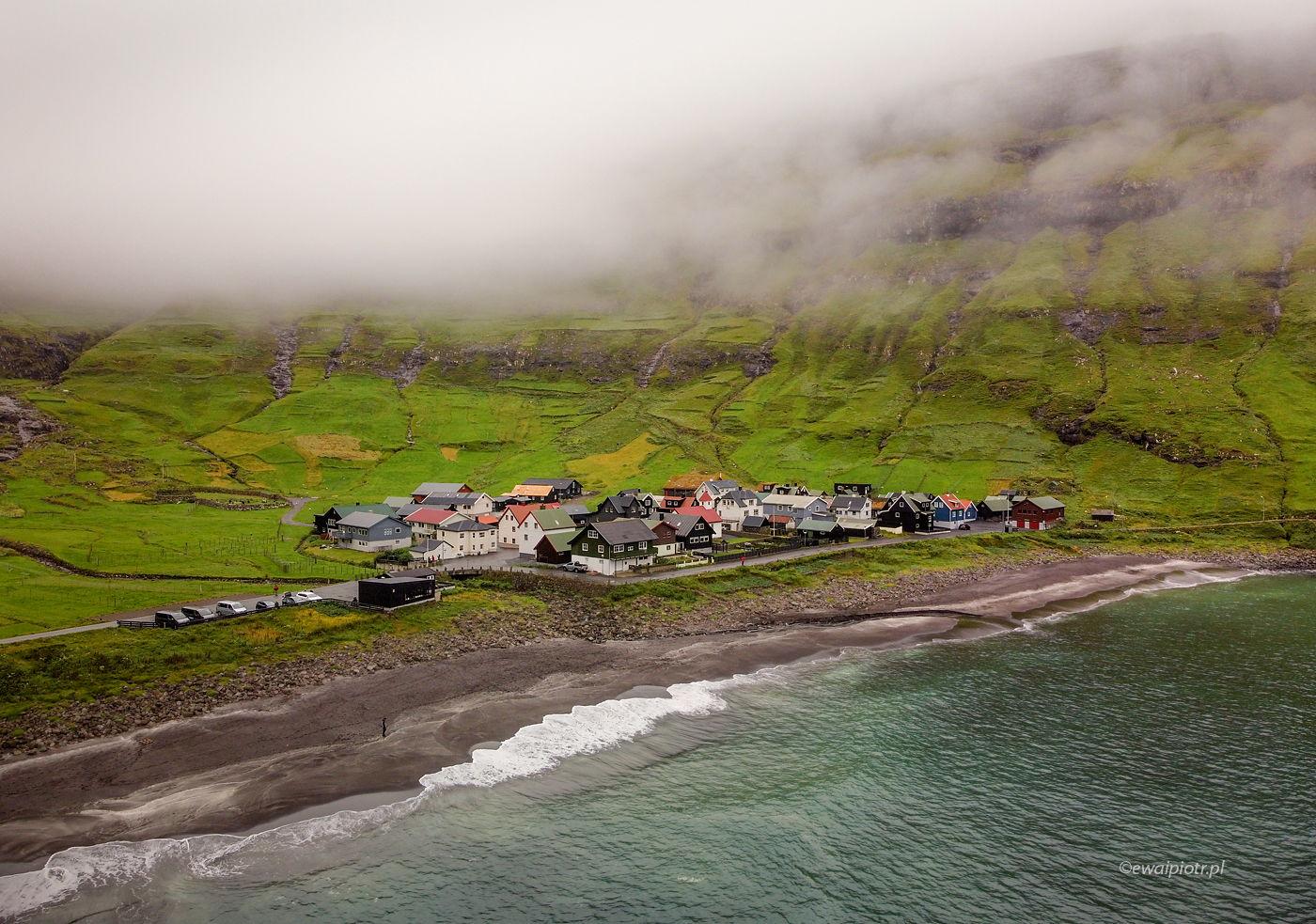 Wioska Tjornuvik, Wyspy Owcze, z drona, DJI Mavic Mini