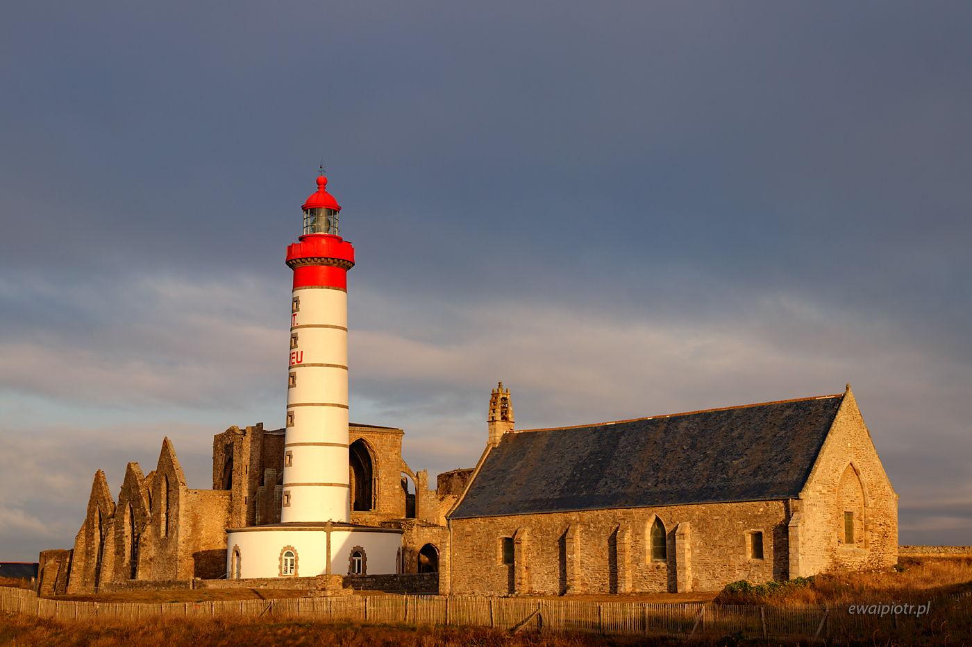Latarnia morska w Pointe Saint Mathieu, Bretania