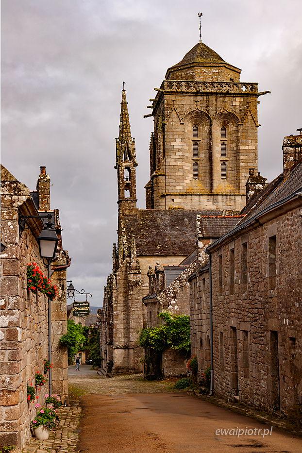 W Locronan, Bretania