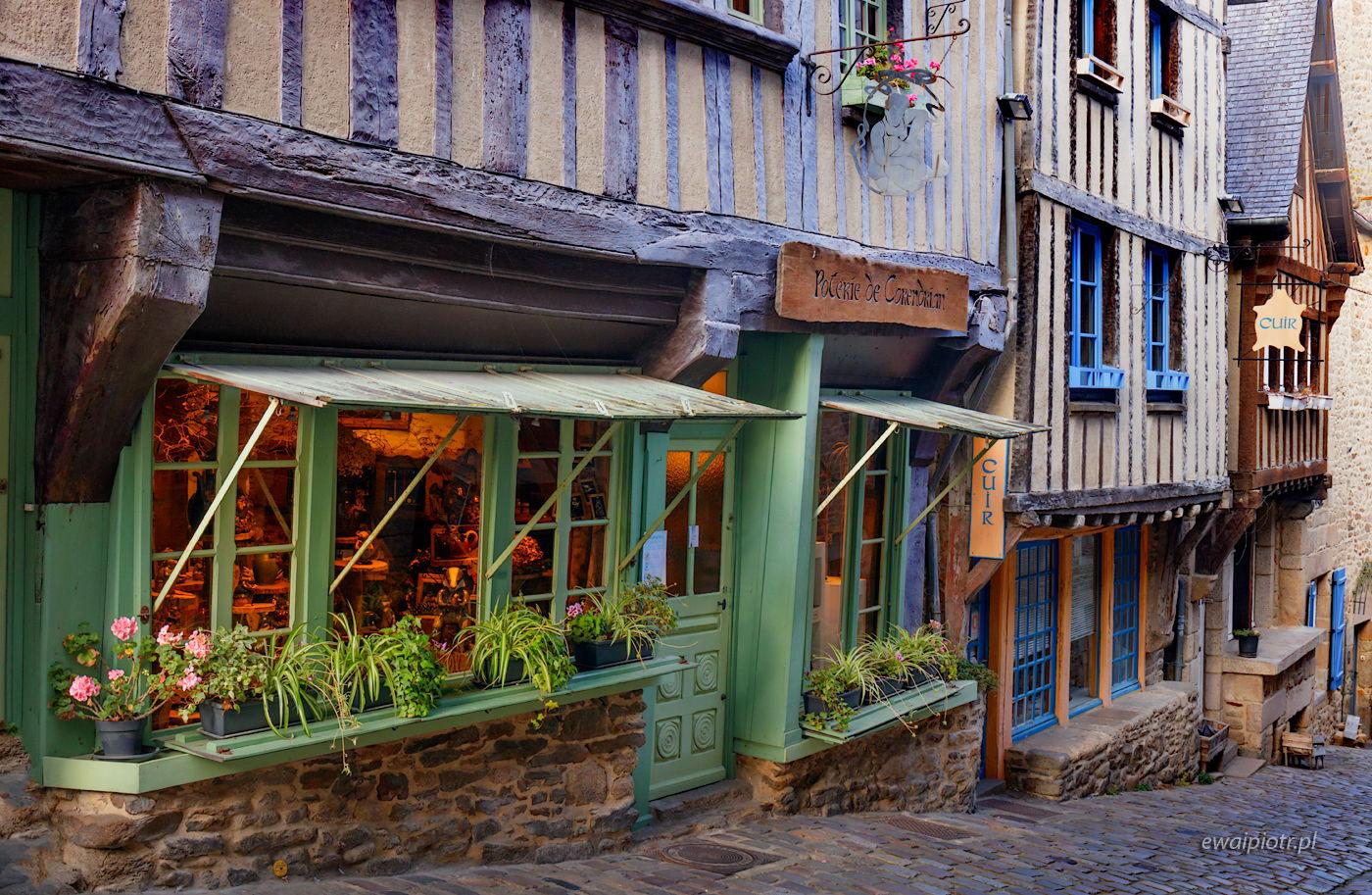 Uliczka w Dinan, Bretania