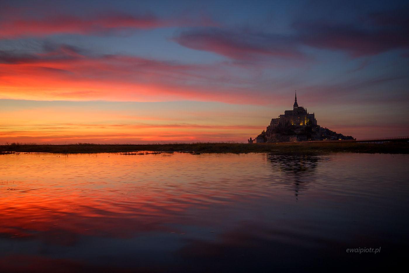 Zachód słońca nad Mont Saint Michel, Bretania, fotowyprawa